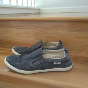 Taos footwear grey slip on shoes size 10